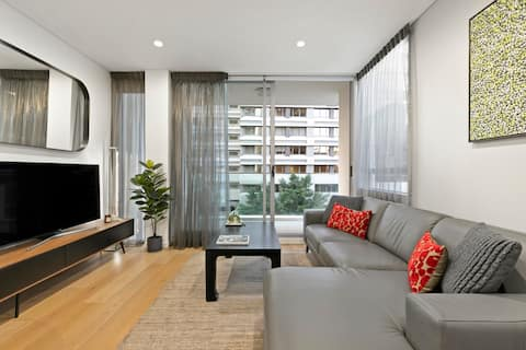 Long stay, Designer pad, Wraparound outdoor space!