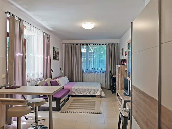 Светлый апартамент в Приморско
