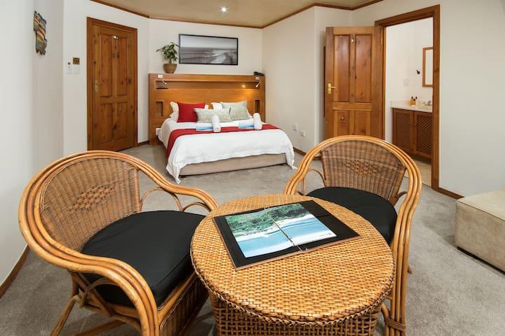 African Perfection 1: Room 2 - Garden View Suite