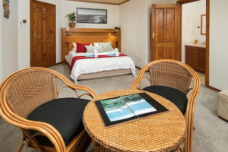 Part of African Perfection 1, Purely B&B, Room 2, our garden view suite is a quaint and cozy room.