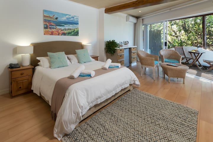 African Perfection 2: Room 12 - Ground Floor Suite