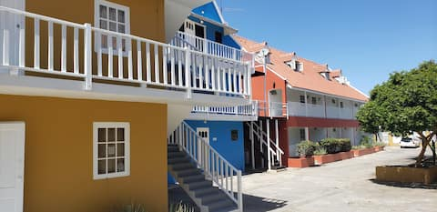Modern 1 bedroom apartment in colonial Willemstad