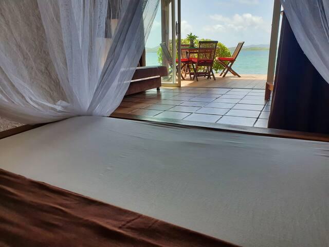 Vue du séjour depuis la chambre