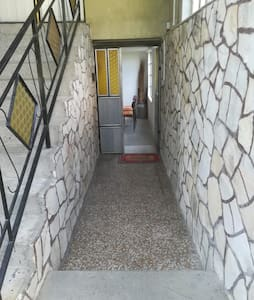 Zugang zur Wohnung 2 Treppen!