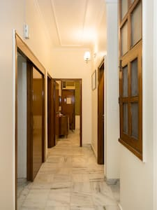 No stairs or steps to enter common areas or move inside the house.