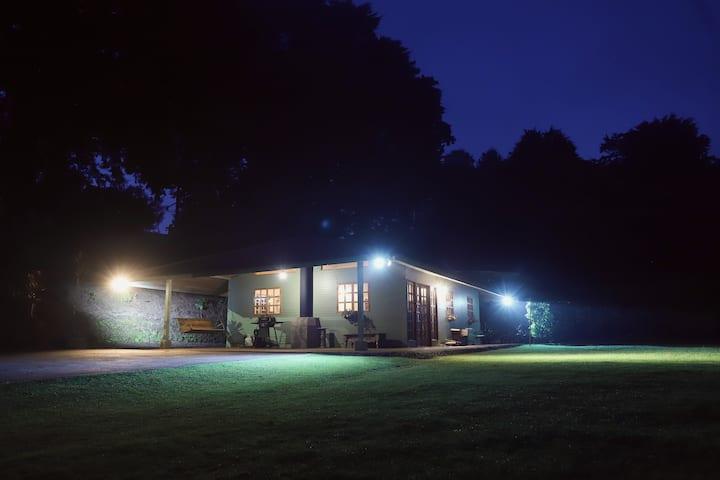 Rustic Cabin in Heredia