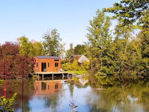 La experiencia Walden se relaja junto al estanque