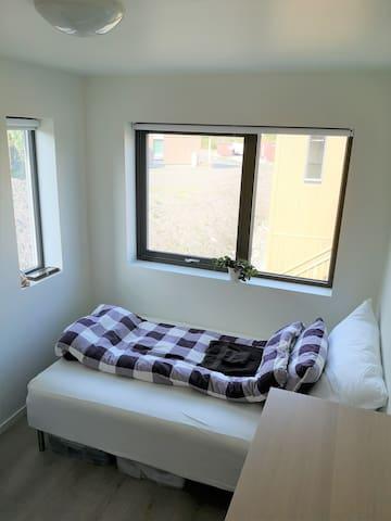 Rom 2. Lyst og fint rom med 120 seng.