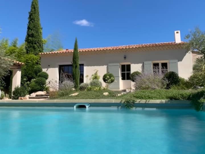 """""""La Maison aux Oliviers"""" en Provence"""