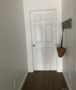 3 ft wide hallway