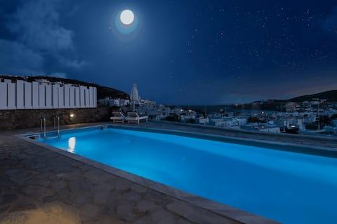 Near Ornos Beach & Mykonos Town w Private Hot Tub