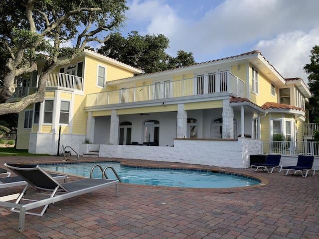 Paradise  Bay Villa
