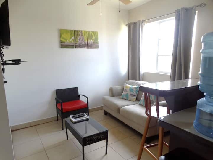 Cayo Comfort Stay: Apartment #2