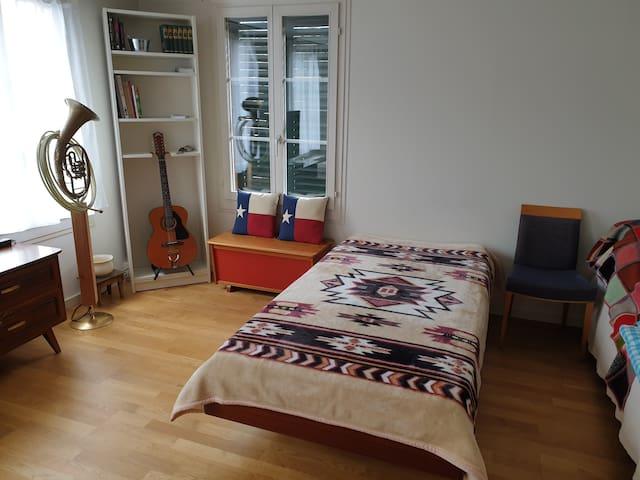 Schlafzimmer 2 / Bethroom 2
