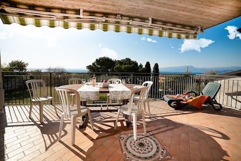 """Regarda - """"Edén 1"""" con terraza con vistas al lago y barbacoa"""