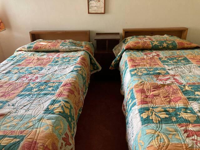Bedroom 2 Lemongrass Cottage.