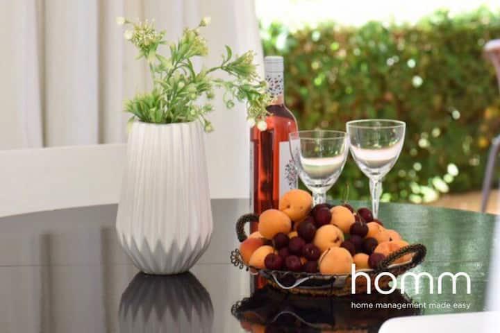 91m² homm Athens Riviera Apartment with Garden