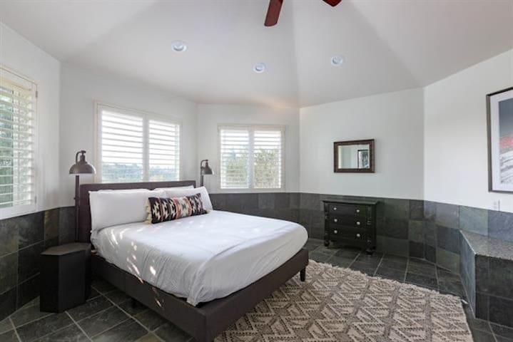 Upper bedroom