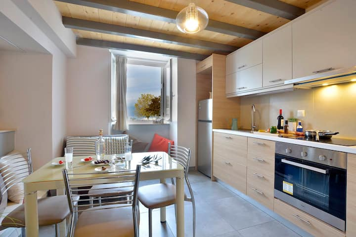 Ostria Corfu Old Town Apartment