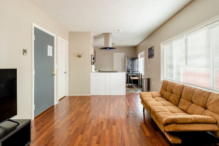 Spacious & Hip 1BR with All Access to NE Portland