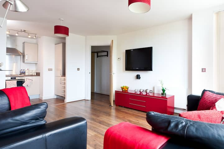Central MK Apartment Free Parking Sleeps up to 4
