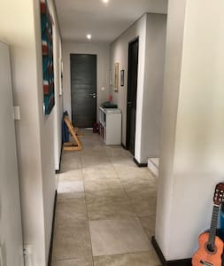 Ca 100cm hallway. NB: Bathrooms are upstairs, and are NOT wheelchair accessible.