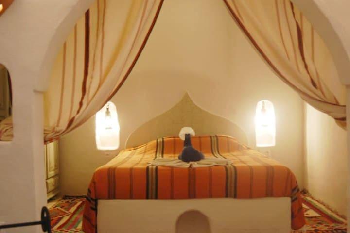 La chambre du gîte Aladin avec son lit 160x200
