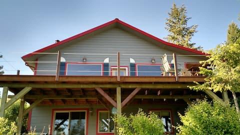 Montana- Lake Koocanusa, Waterfront Cabin-2storey