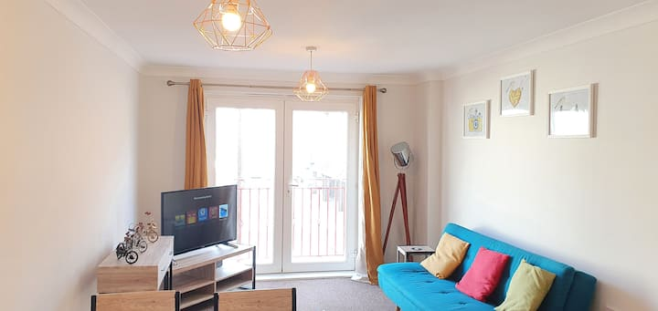 Garland Apartment, Tilbury With Netflix & Spotify