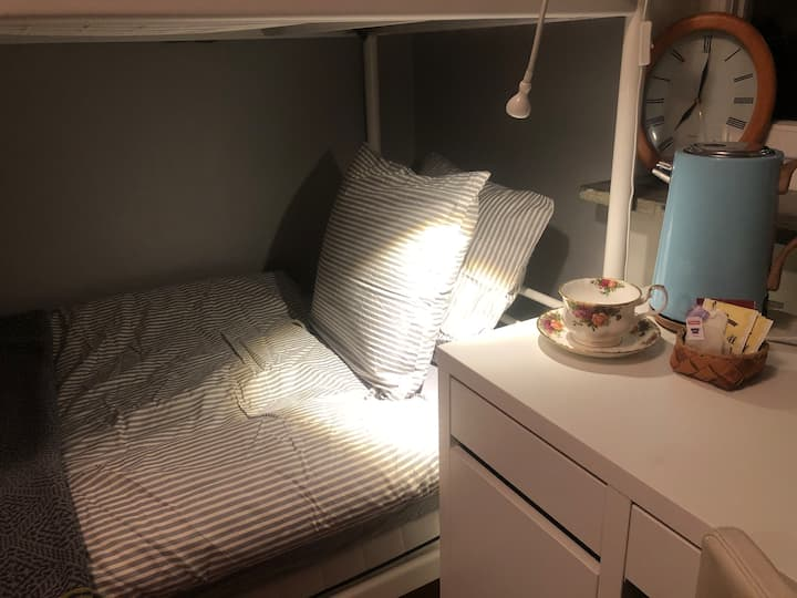 Cozy room close to  Älvsjö fair and Stockholm city