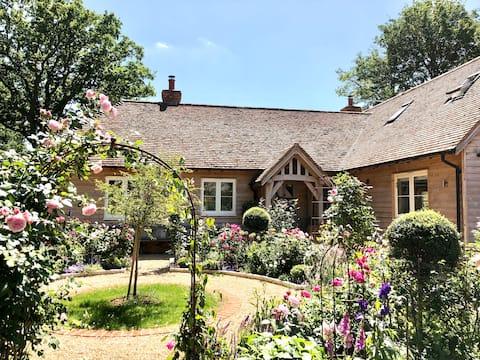 Private wing. Rural setting. Garden and verandah.