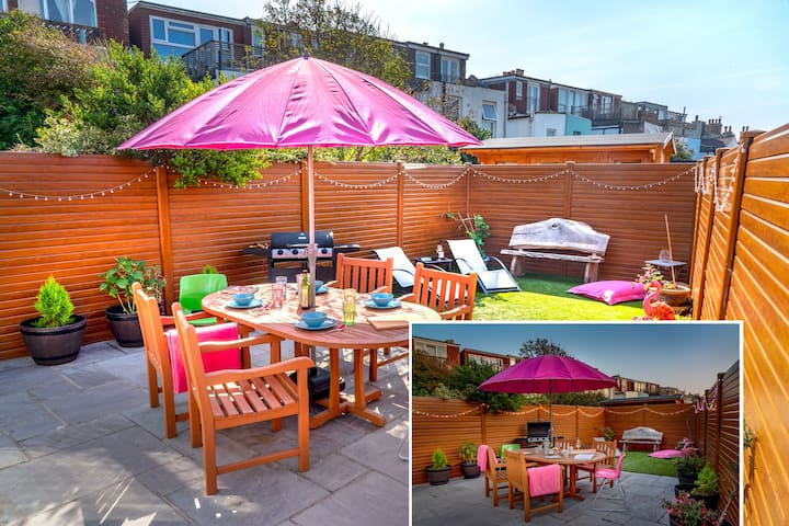 Amazing Brighton Home w/ Sunny Garden BBQ & Beach!