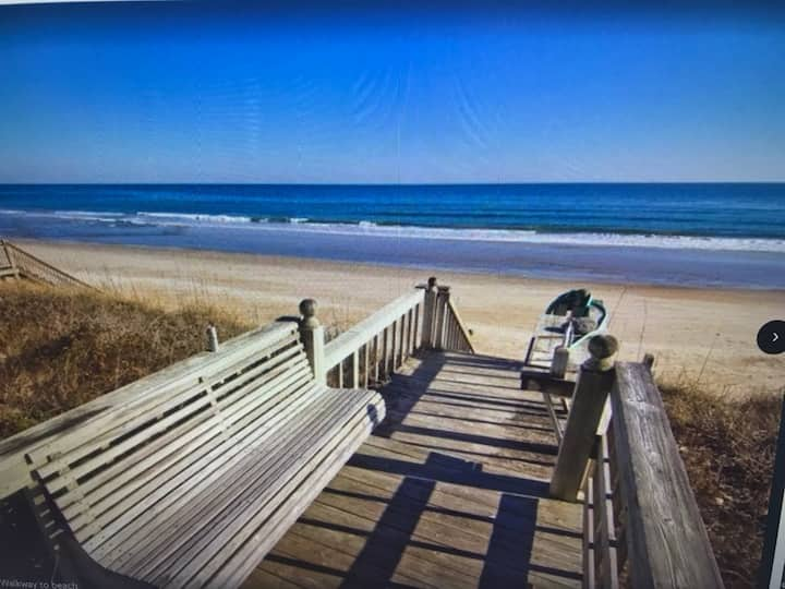 Direct OCEANFRONT!! Sleeps 11 Pet Friendly!