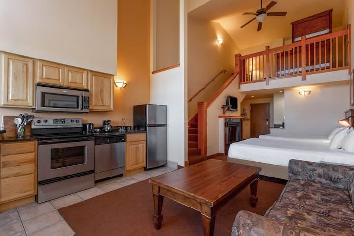 Loft Villa+Free H20 Park @ Chula Vista-Up to 8ppl!