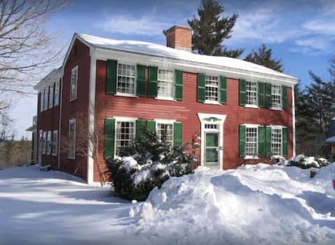 Beautiful New Hampshire Retreat