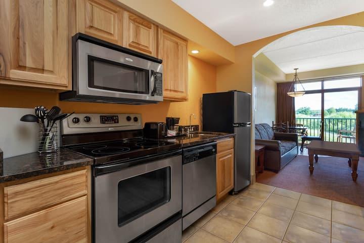 2Q+Private King Room Villa @ Chula Vista-Up to 8pp