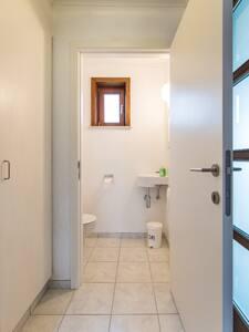 Binnendeuren zijn 78 cm breed.