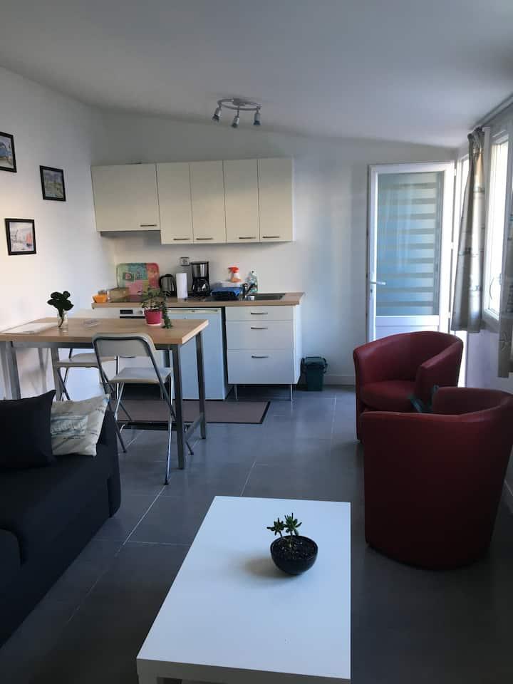 Studio indépendant proche du centre de La Baule.