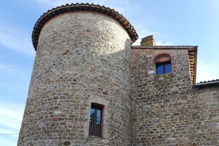 Private medieval tower with view on Assisi