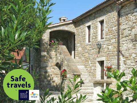 "Authentic Stone Istrian House ""Stara hiža"""
