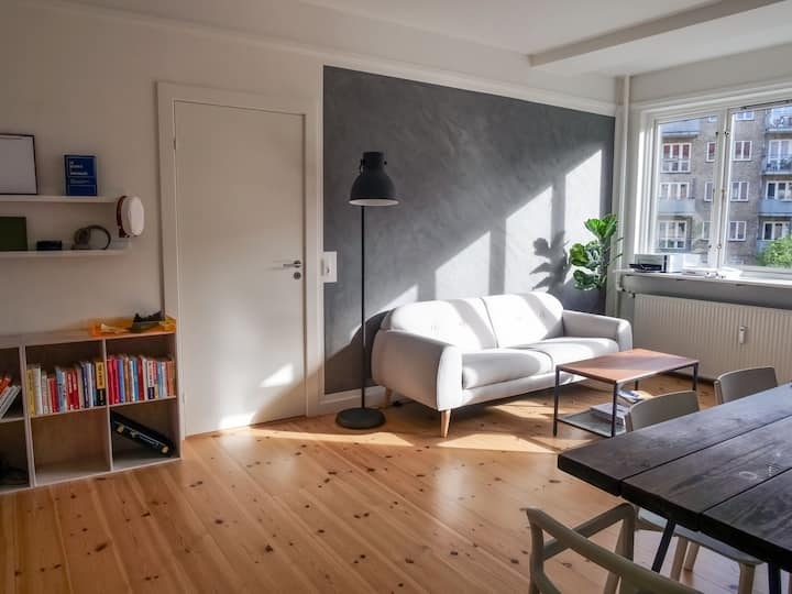 60 sqm bright and renovated apartment in Østerbro