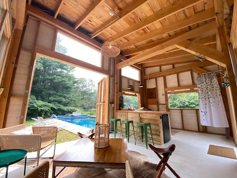 Charming New England Farmhouse