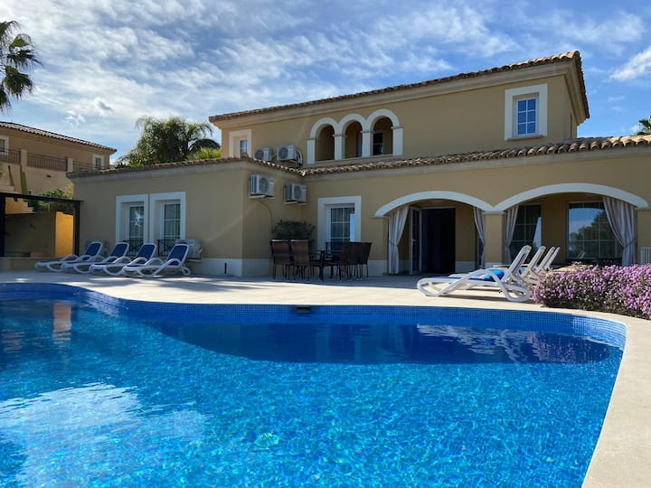 Luxurious Villa Finestrat with private pool