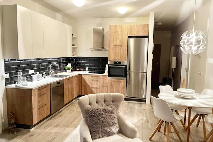 New Modern Apartment Near City Centre and Downtown