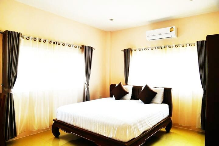 Bedroom1 with king-size bed