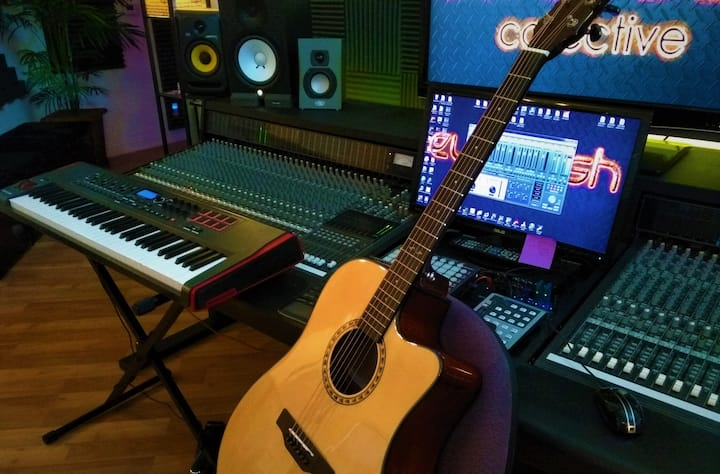 Experience Airb&Record Music Studio Package Suite
