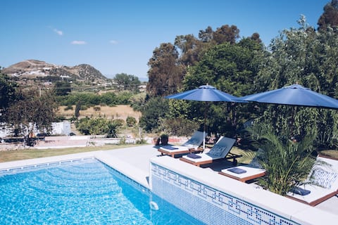 Modern Rural Apt Perfect for Relaxing Getaway