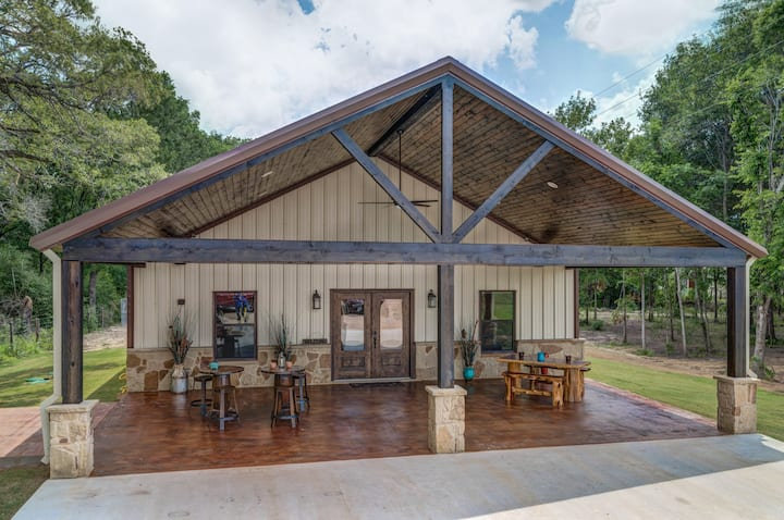 Custom Barndominium Perfect For Getaways