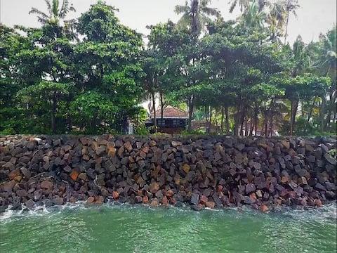 5.SEA HUT HOMESTAY SUPERIOR SEA VIEW ROOM