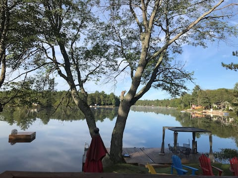 Lakefront Large Family Cottage on West Twin Lake!
